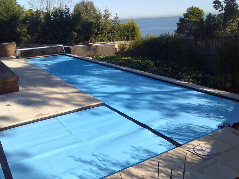 Sunbather roller pool cover
